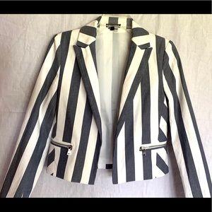 < Express Striped Blazer >